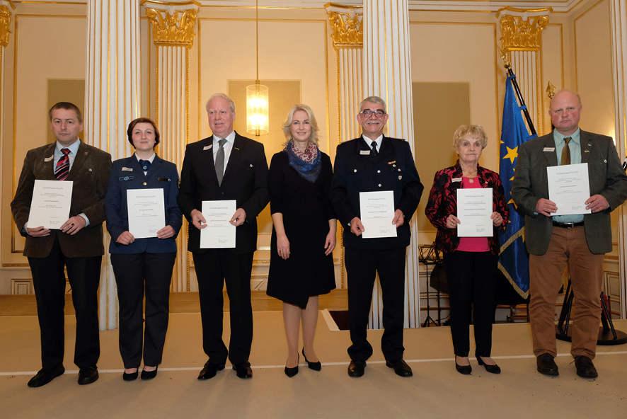 Verleihung der Ehrennadel des Landes M-V an Mark Riedel